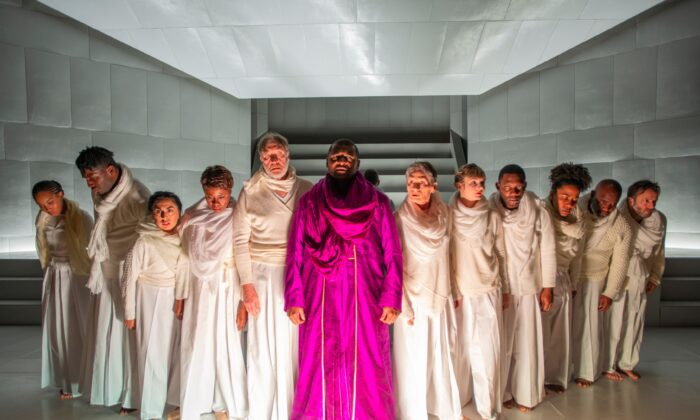 Kelvin Roston Jr. as Oedipus (C) and the cast of the Court Theatre's production of 'Oedipus Rex.' (Michael Brosilow)