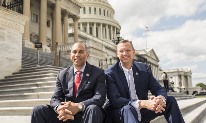 Representatives Hakeem Jefferies (D-N.Y.) and Doug Collins (R-Ga.), in Washington in 2018. (Courtesy of jefferies.house.gov)