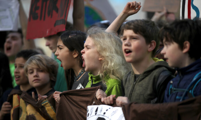 Students in a protest march in San Francisco on March 15, 2019. (Justin Sullivan/Getty Images)
