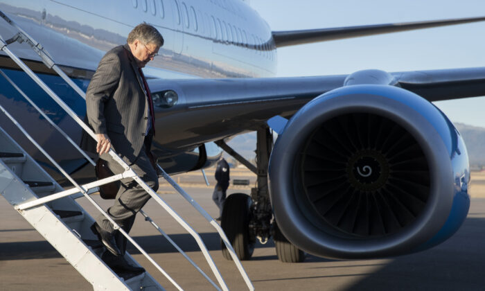 Attorney General William Barr steps off an aircraft at Glacier Park International Airport in Kalispell, Montana on Nov. 21, 2019. (Patrick Semansky/AP Photo)