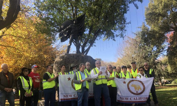 Reed Johnson (front left) and Paul Preston (front right) reading the 95th grievance at Sonoma Plaza on Nov. 19. (Nathan Su/The Epoch Times)