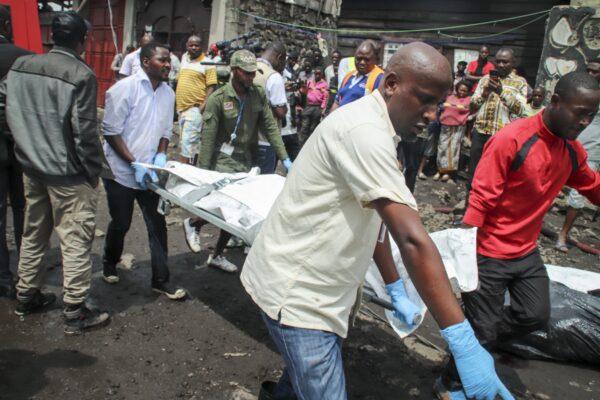 Rescuers remove bodies from plane crash