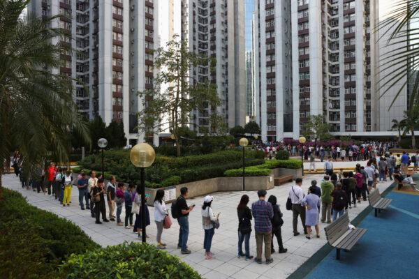 voting queue hong kong election (1)