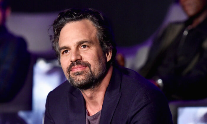 Mark Ruffalo Tells of Finding a Brain Tumor During His Big Break Into Hollywood, Relationship Bliss