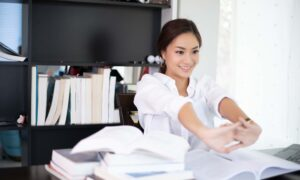 Why Employees Become Motivated to Stay or Leave