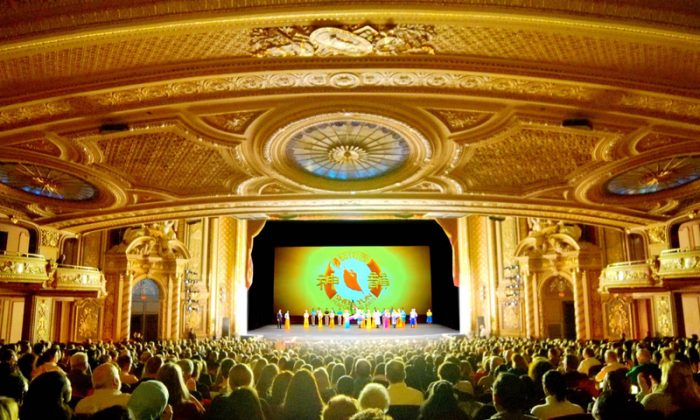 Shen Yun Performing Arts' curtain call at the Boch Theater in Boston, Massachusetts, on Jan. 25, 2019. (NTD Television)