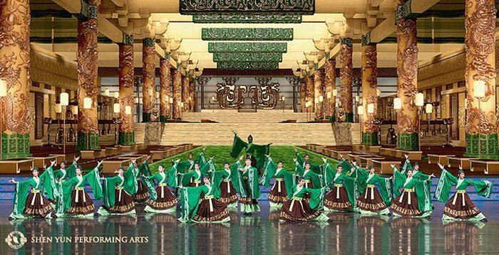 "Shen Yun dancers perform ""Han Imperial Air."" (© 2014 Shen Yun Performing Arts)"