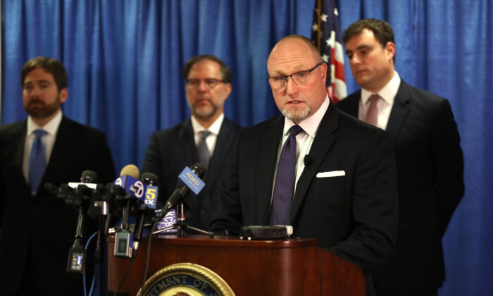 Federal Bureau of Investigation San Francisco Special Agent in Charge John F. Bennett speaks during a news conference in San Francisco, California, on Sept. 30, 2019. (Justin Sullivan/Getty Images)