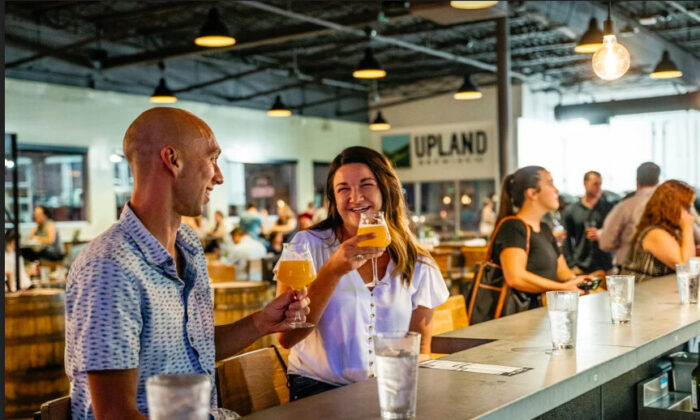 Inspired by the creativity of their Fountain Square neighbors, Upland FSQ features a small-batch brewery for tinkering and barrel-aging, 22 beers on tap, a beautiful outdoor patio, and a locally-focused menu of spirited pub classics and vegetarian cuisine. (Cliff Ritchey/Visit Indy)