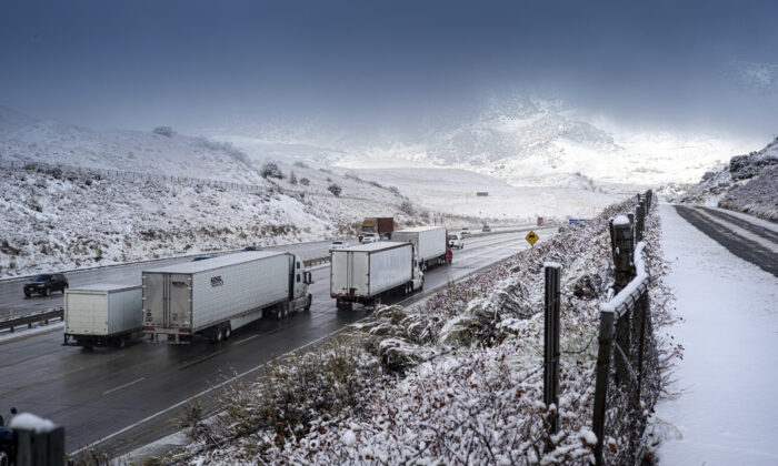 Traffic moves north along the Interstate 5 near the Tejon Pass as travelers try to get in and out of Southern Calif. for the Thanksgiving holiday, on Nov. 27, 2019. (David Crane/The Orange County Register via AP)