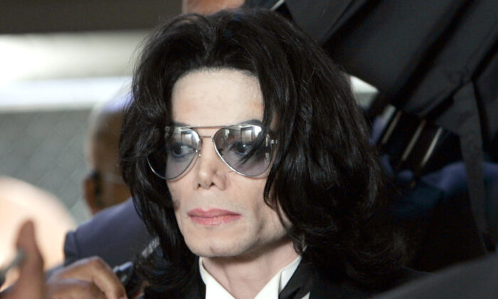Michael Jackson prepares to enter the Santa Barbara County Superior Court in Santa Maria, Calif., on June 13, 2005. (Kevork Djansezian-Pool/Getty Images)