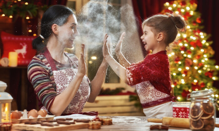 Depending on your family, enjoy simple, age-appropriate traditions this holiday season. (Shutterstock)