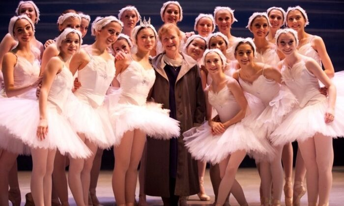 Marcia Dale Weary (C) and her ballerinas, circa 2012. (Rosalie O'Connor)