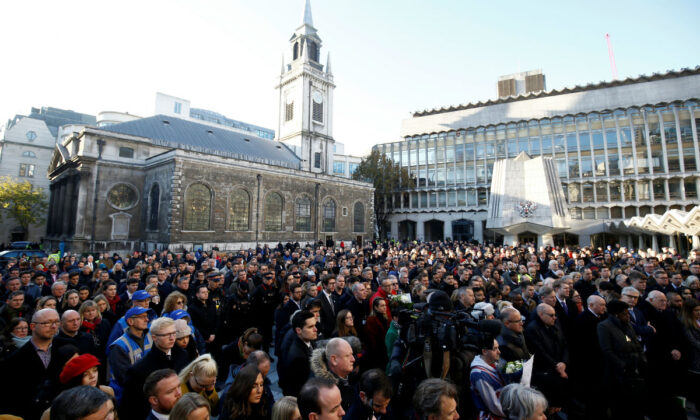 A view of the general public during a vigil for victims of a fatal attack on London Bridge in London, Britain on Dec. 2, 2019. (Henry Nicholls/Reuters)