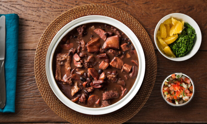 Feijoada with all the fixings. (Shutterstock)