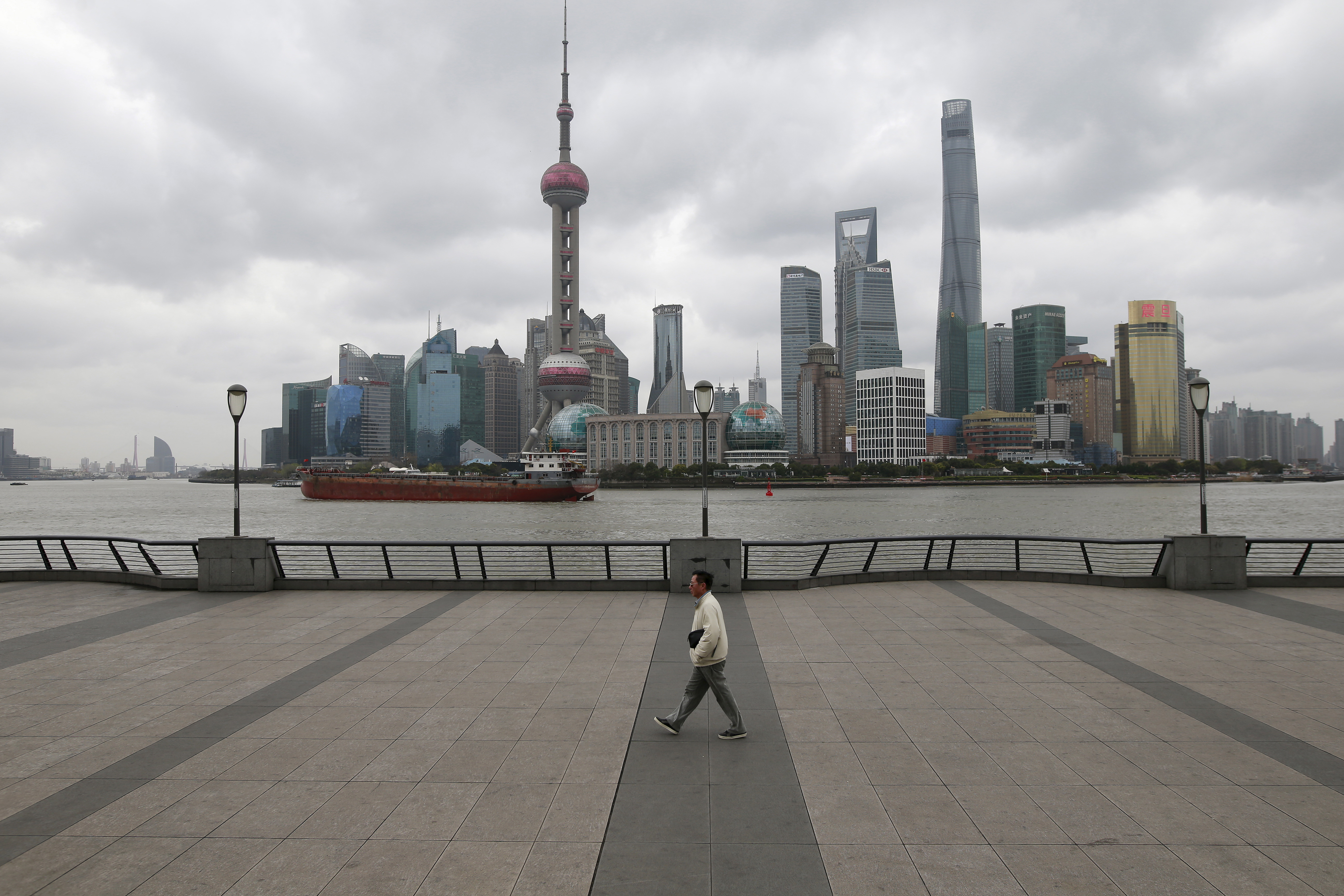 China's GDP Growth Rate Next Decade Won't Be Higher Than 5 Percent: Economist