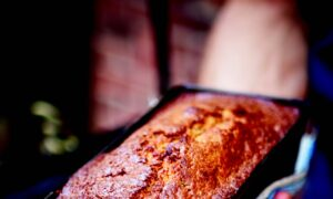 Cardamom and Cinnamon Banana Bread With Poppy Seeds