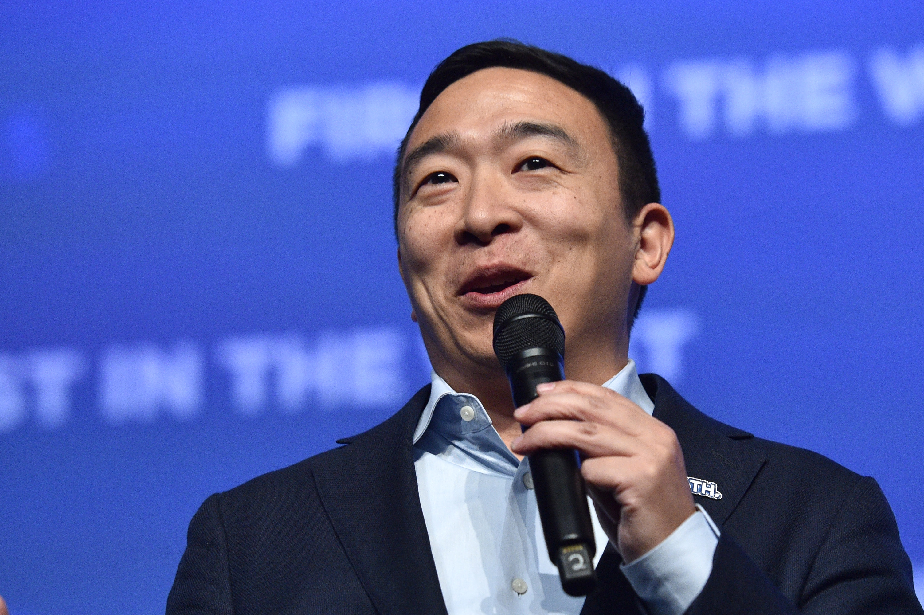 2020 Contender Andrew Yang Says Impeachment 'Is Going to Be a Loser'