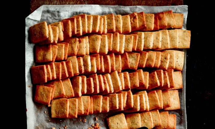 Poppy seed shortbread with ginger and nutmeg. (Thomas Schauer)