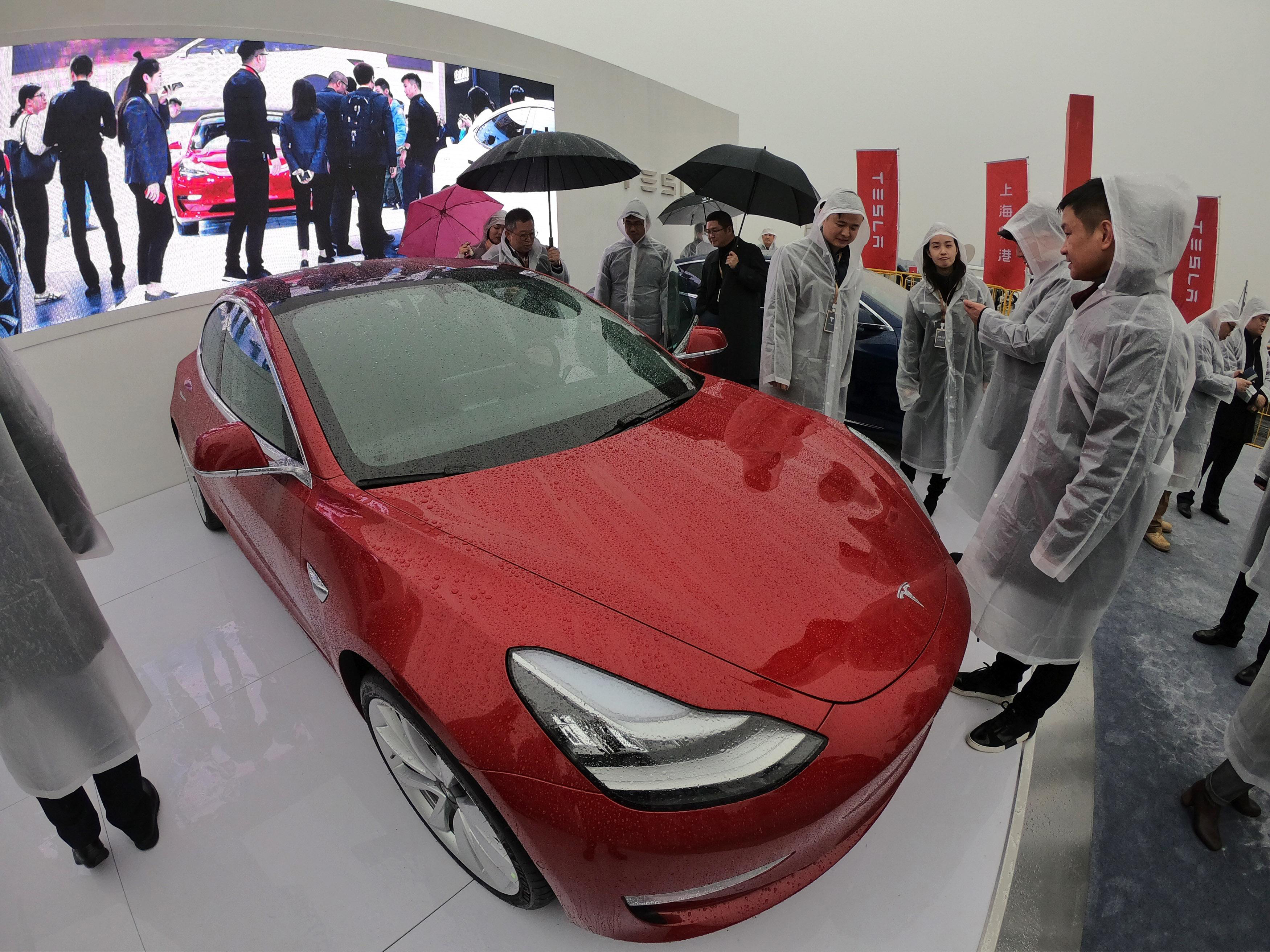China Ends Electric Vehicle Subsidies as Sales Cut in Half