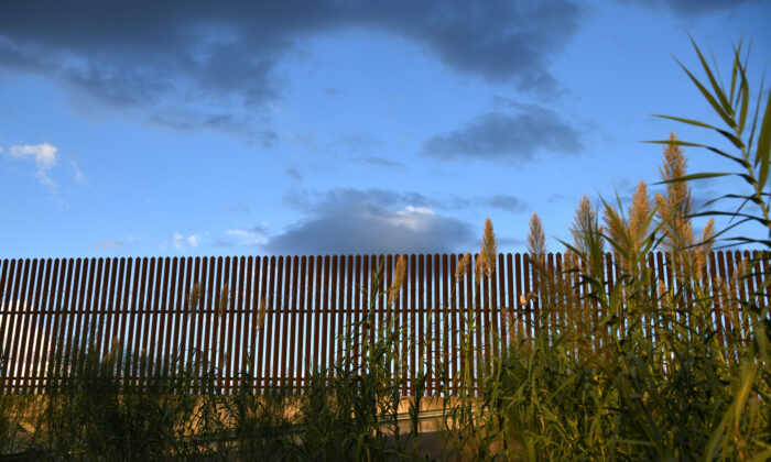 A section of border fence is pictured by the U.S.-Mexico border in the Rio Grande Valley near Hidalgo, Texas, on Oct. 7, 2019. (Loren Elliott/Reuters)