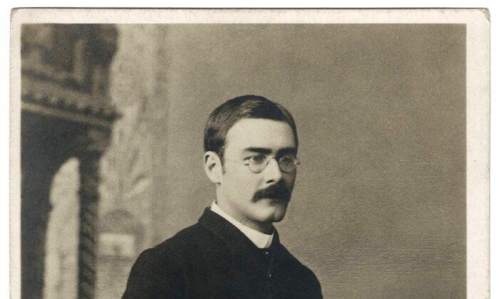 A photographic portrait of Rudyard Kipling as a postcard, by Bourne & Shepherd. Beinecke Rare Book & Manuscript Library, Yale University. (Public Domain)