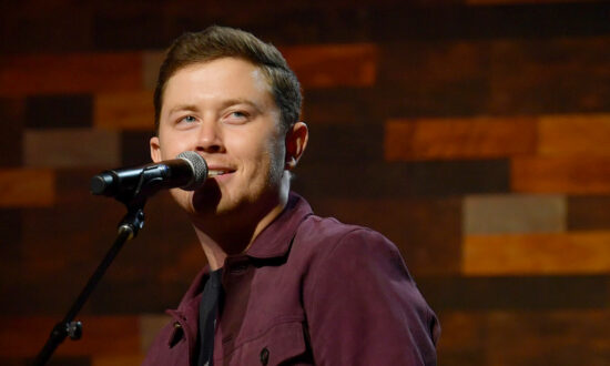 'American Idol' Winner Scotty McCreery Croons What 'Christmas Is Heaven' Is Like for Lost Loved Ones