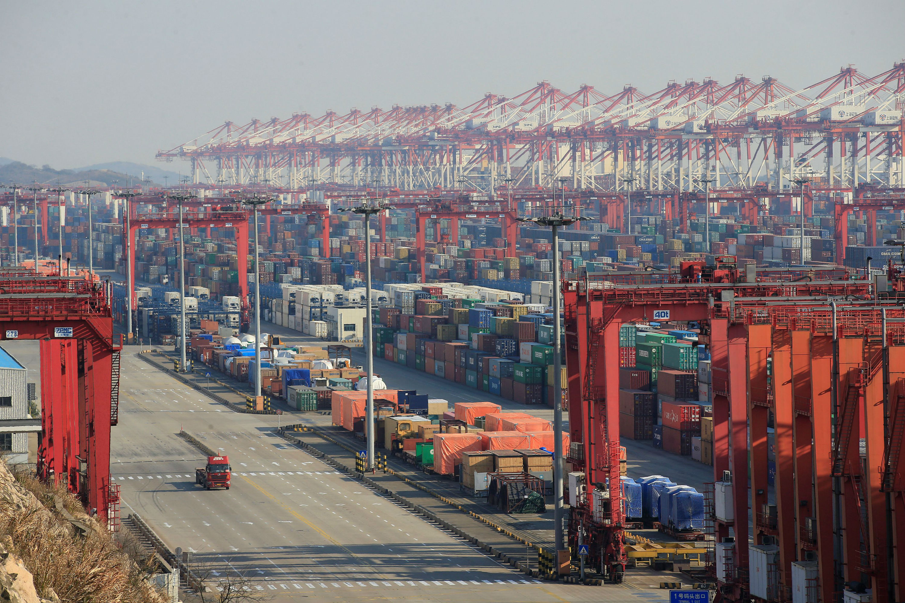 Beijing to Buy $200 Billion in US Goods as Part of Initial US-China Trade Deal