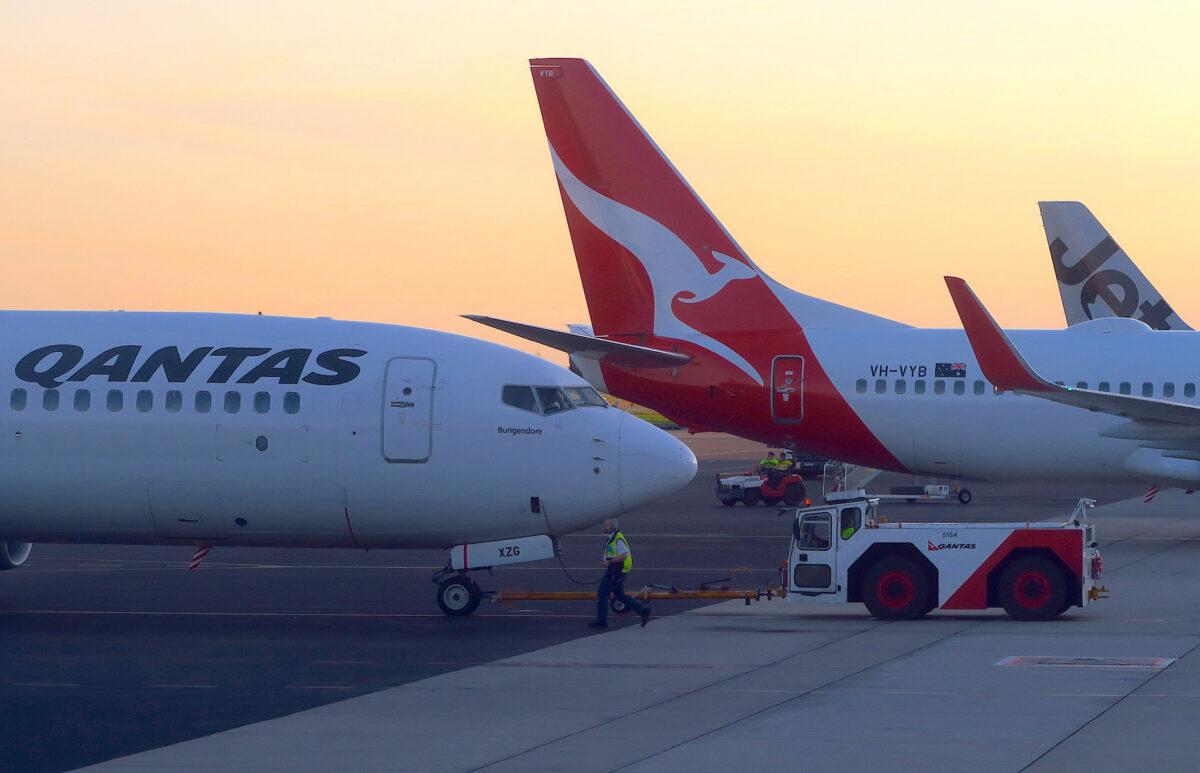 Qantas Cut Flights to China, Earnings to Be Hit by Coronavirus