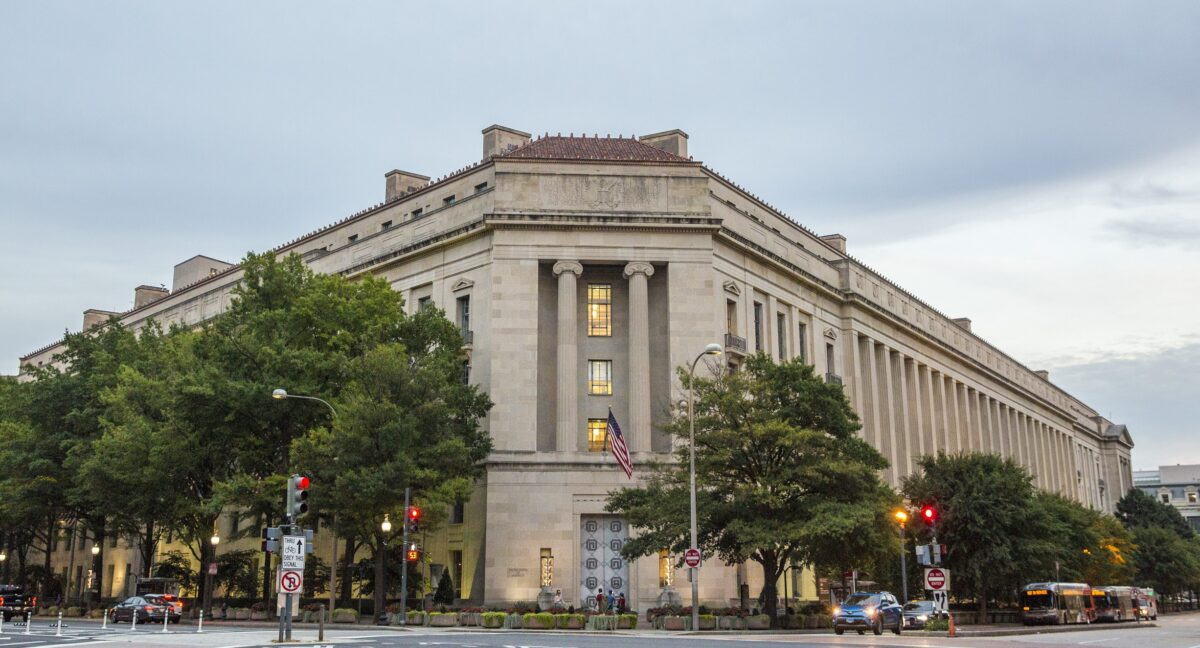 Federal Prosecutors File First Conspiracy Charges Over US Capitol Breach