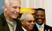 'Remember the Titans' Coach Herman Boone Dies at 84: Reports