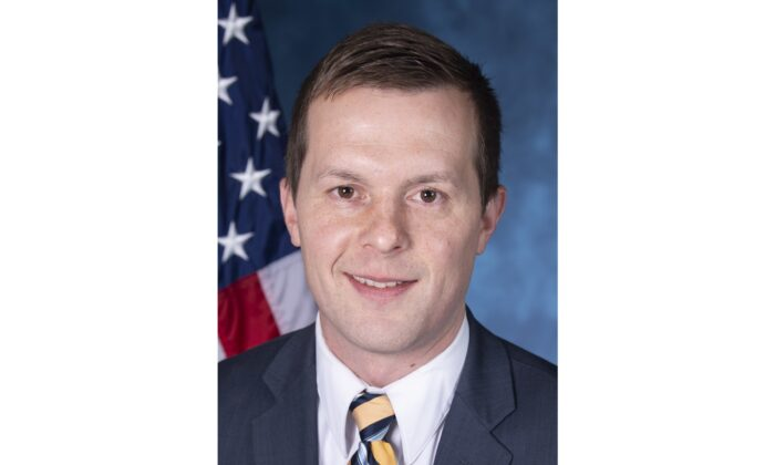 Rep. Jared Golden (D-Maine) in an undated official portrait. (Golden.house.gov via Wikimedia/Public Domain)