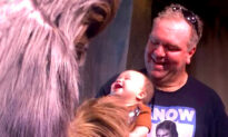Watch the Tiniest Little Star Wars Fan's Priceless Reaction on Meeting Chewbacca