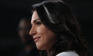 2020 Candidate Tulsi Gabbard Criticizes Pelosi for Delaying Impeachment Articles