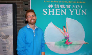 Shen Yun Moves Audience Through Beauty and Truth