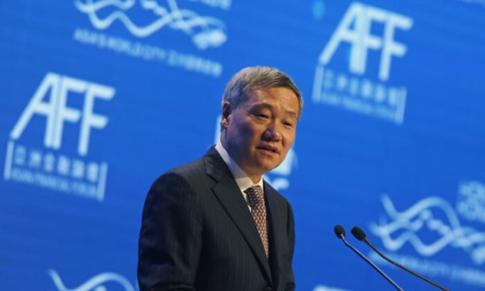 China Securities Regulatory Commission Chairman Xiao Gang addresses the Asian Financial Forum in Hong Kong, China on Jan. 19, 2015. (Bobby Yip/Reuters)