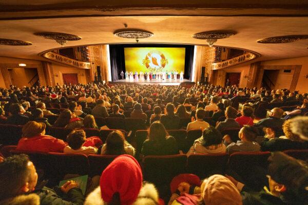 Shen-Yun-shenyun-audience-IntlCo-Stamford-LD706809