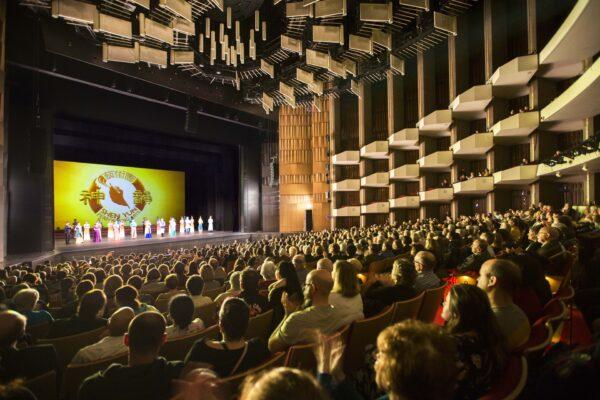 20191227-2pm-Ottawa-Theatre-shenyun
