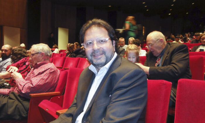 Shen Yun 'Takes Your Breath Away, an Absolute Must-See,' Houston Doctor Says