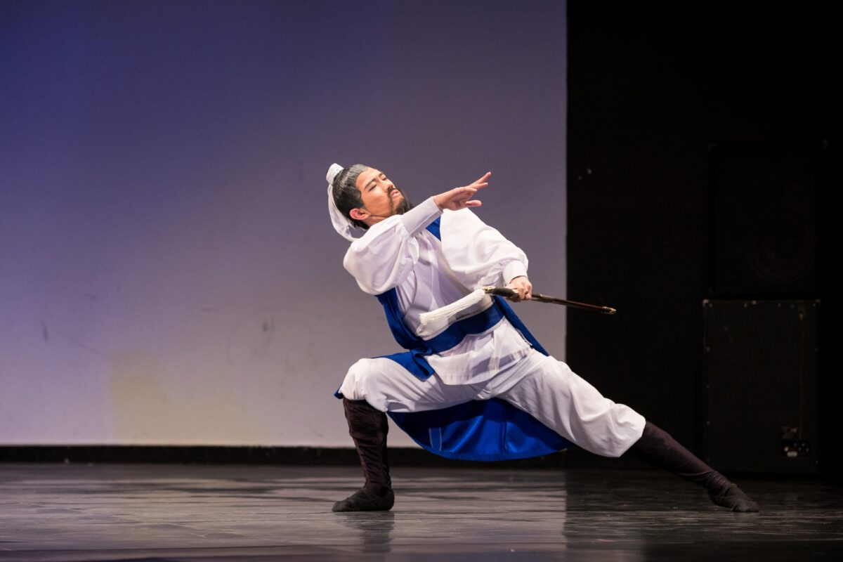 Monty Mou in the 2018 NTD International Classical Chinese Dance Competition