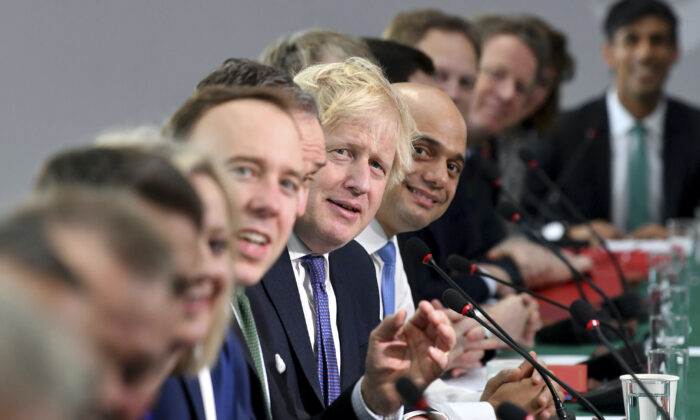 Prime Minister Boris Johnson (centre) chairs a cabinet meeting at National Glass Centre at the University of Sunderland on Friday Jan. 31, 2020. (Paul Ellis/PA Wire)