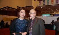 Retired Texas Deputy Discovers Profound Emotions Thanks to Shen Yun