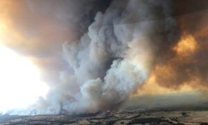 One Dead, 17 Missing Amid Bushfires in Victoria, Australia