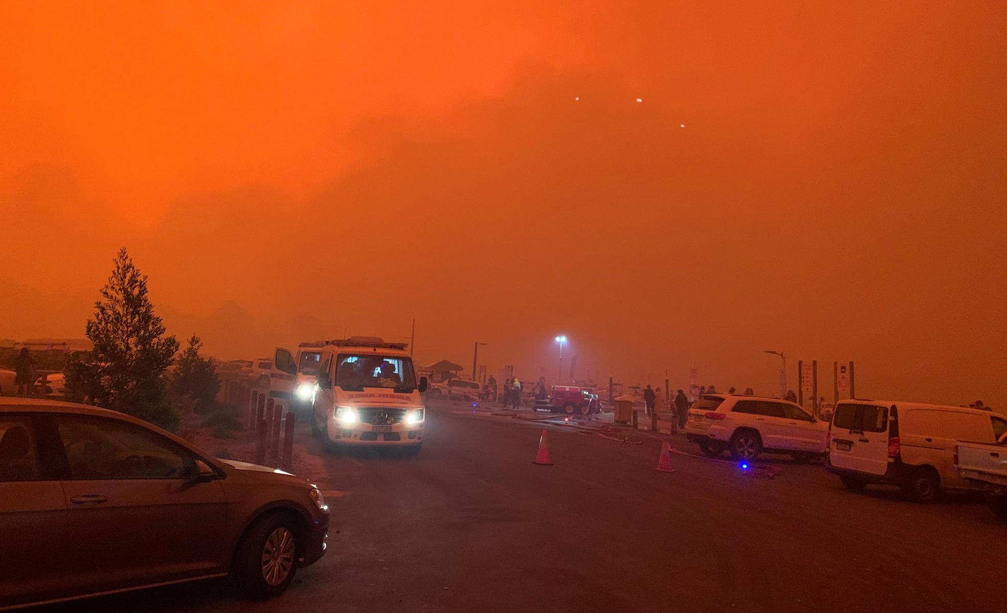 mallacoota victoria australia bushfires