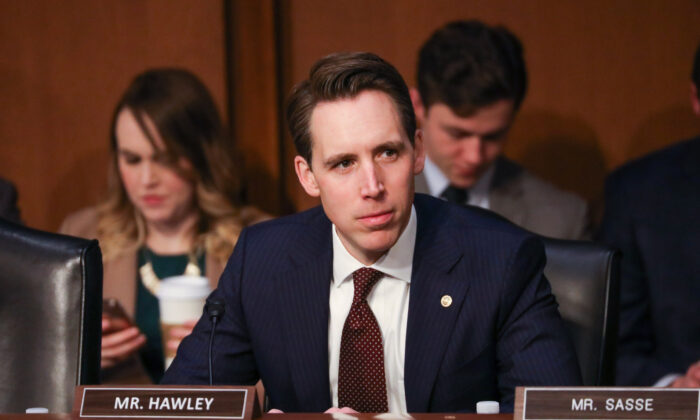 Senate Judiciary Committee member Sen. Josh Hawley (R-Mo.) attends the confirmation hearing of Attorney General nominee William Barr at the Capitol in Washington on Jan. 15, 2019. (Charlotte Cuthbertson/The Epoch Times)