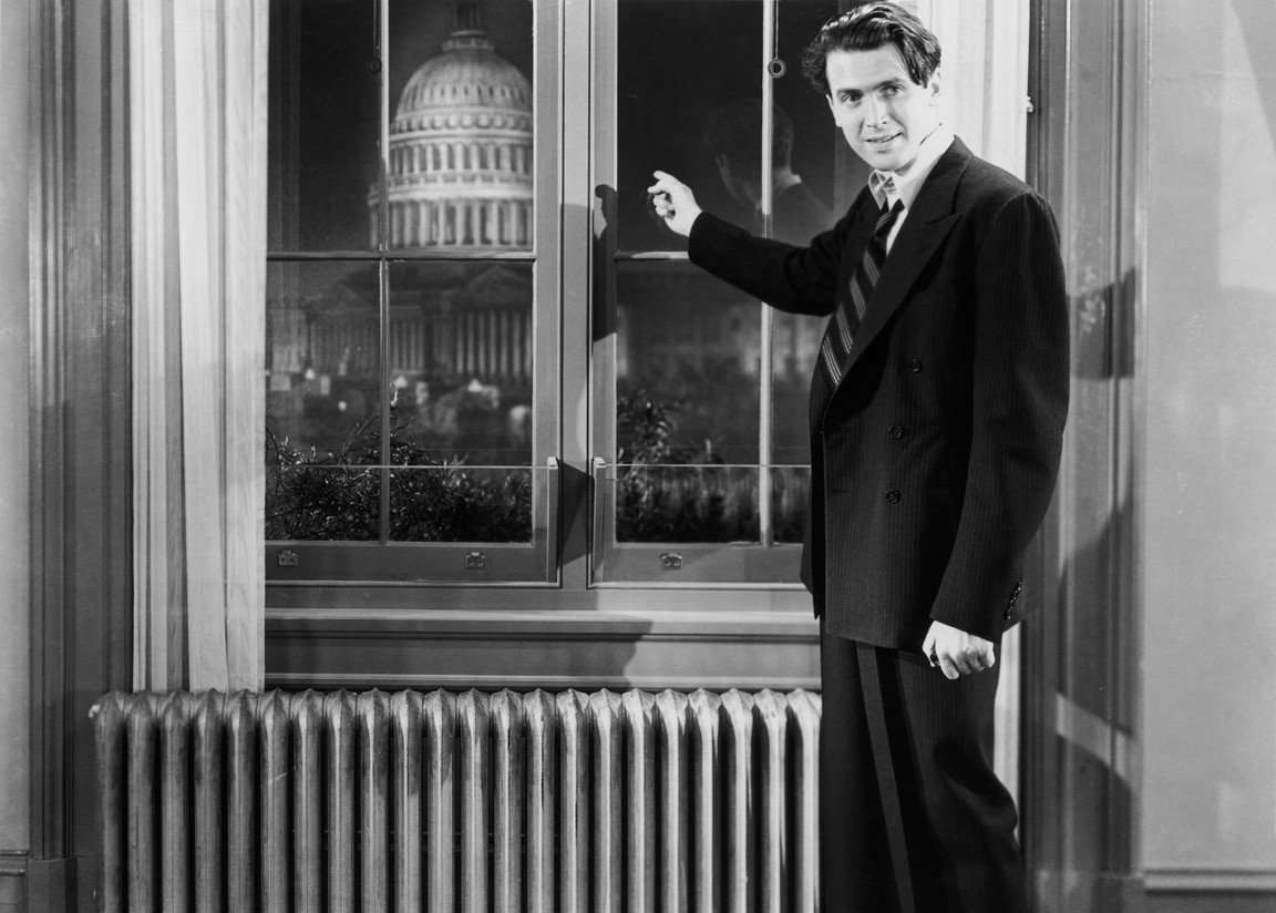 "man points at washington capital in ""Mr. Smith Goes to Washington"""