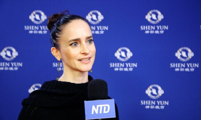Shen Yun 'Plants a Seed' to Inspire Loyalty and Integrity, Says Teacher