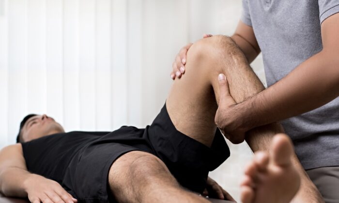 Receiving proper treatment for a knee injury may help lower the increased risk of developing osteoarthritis. (Atstock Productions/Shutterstock)