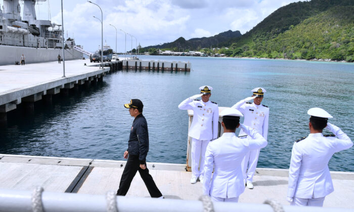 Indonesian President Joko Widodo visits a military base in Natuna, near the South China Sea, Indonesia, on Jan. 8, 2020. (Laily Rachev/Courtesy of Indonesian Presidential Palace/Handout via Reuters)