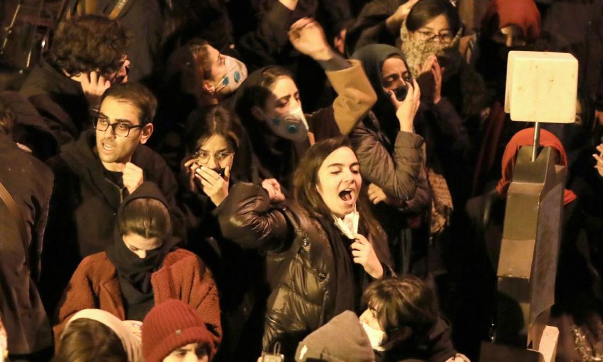 Iranians Chant 'Khamenei is a Murderer ... Illegitimate Ruler' in Fresh Protests Seeking His Resignation